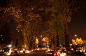 cmentarz_nocą